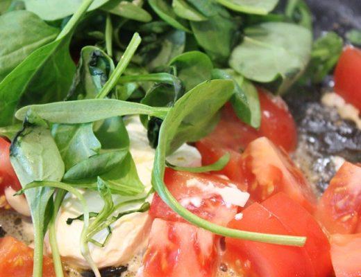 Tomat og hvitløk feta og spinat