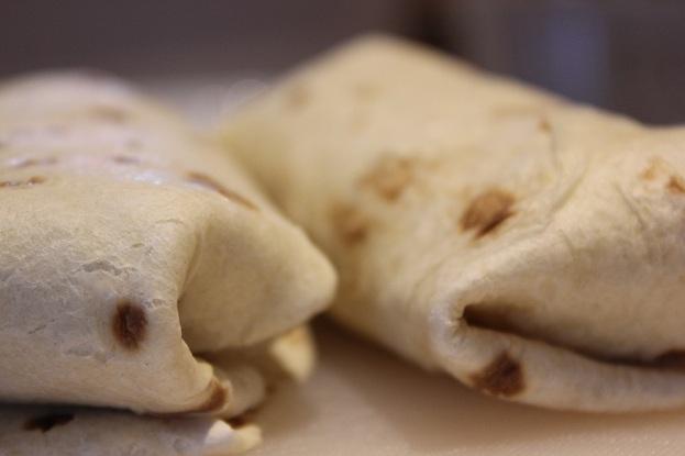Kremet kyllingsalat i tortillalefse
