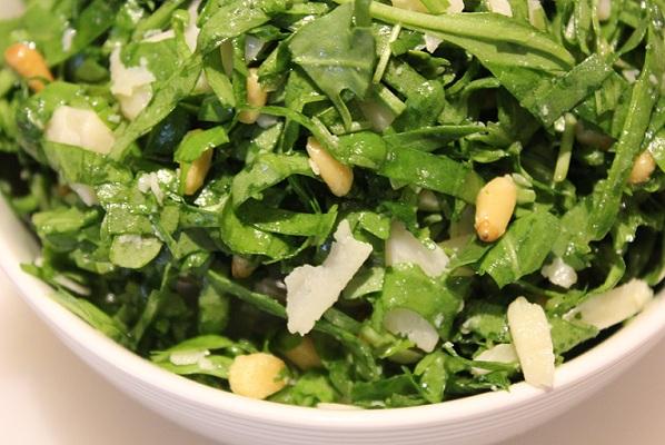Lun salat med ruccola og spinat
