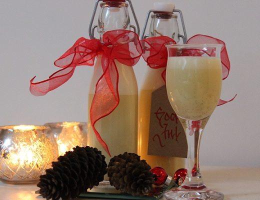 Hjemmelaget eggelikør - eggelikør til jul - spiselig julegave - vertinnegave