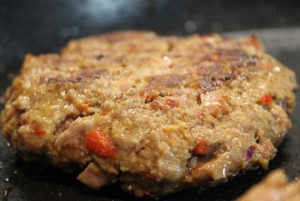 Chili- og baconburger