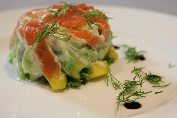 Røkt ørret på salat