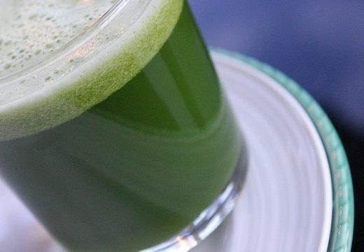 Spinat og ingefærjuice