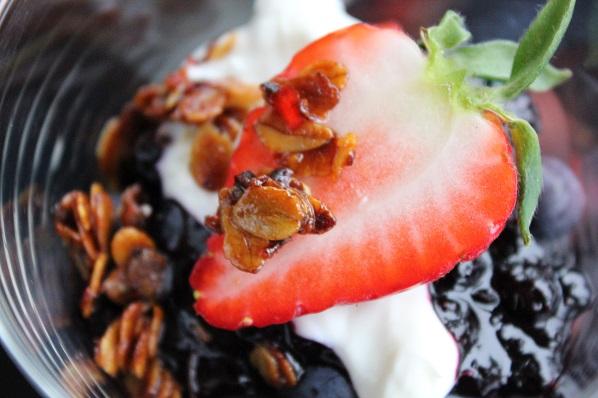 Gresk yoghurt med bær og crunch