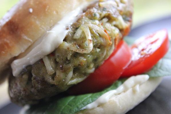 Chili Chicken Noodle Burger - Chili kylling burger med nudler