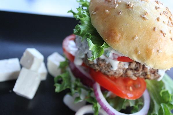 Hamburger med fetaost - helt gresk1