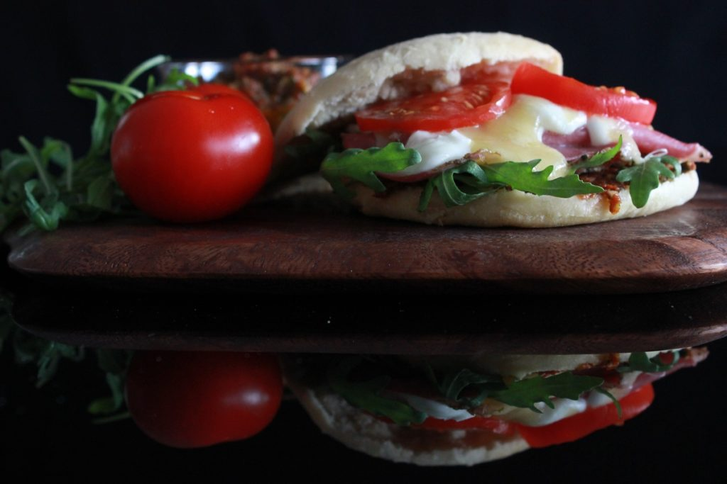 Puccia med tomatpesto