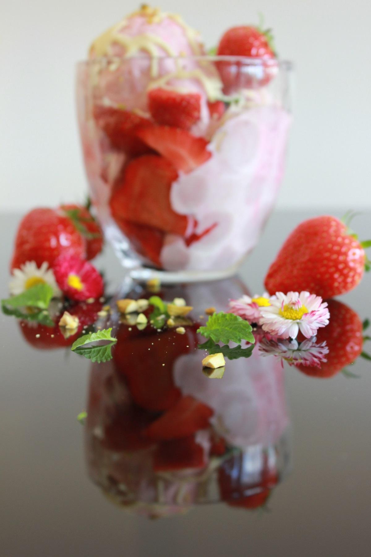 Hjemmelaget jordbærIs