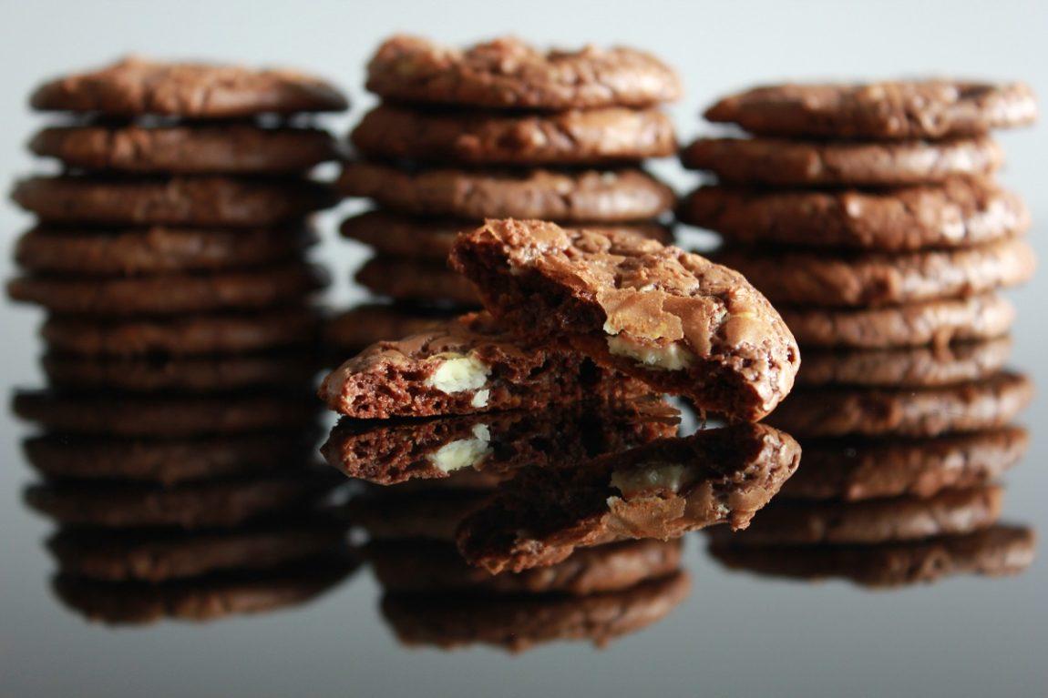 Cookies med sjokolade - mørk og hvit