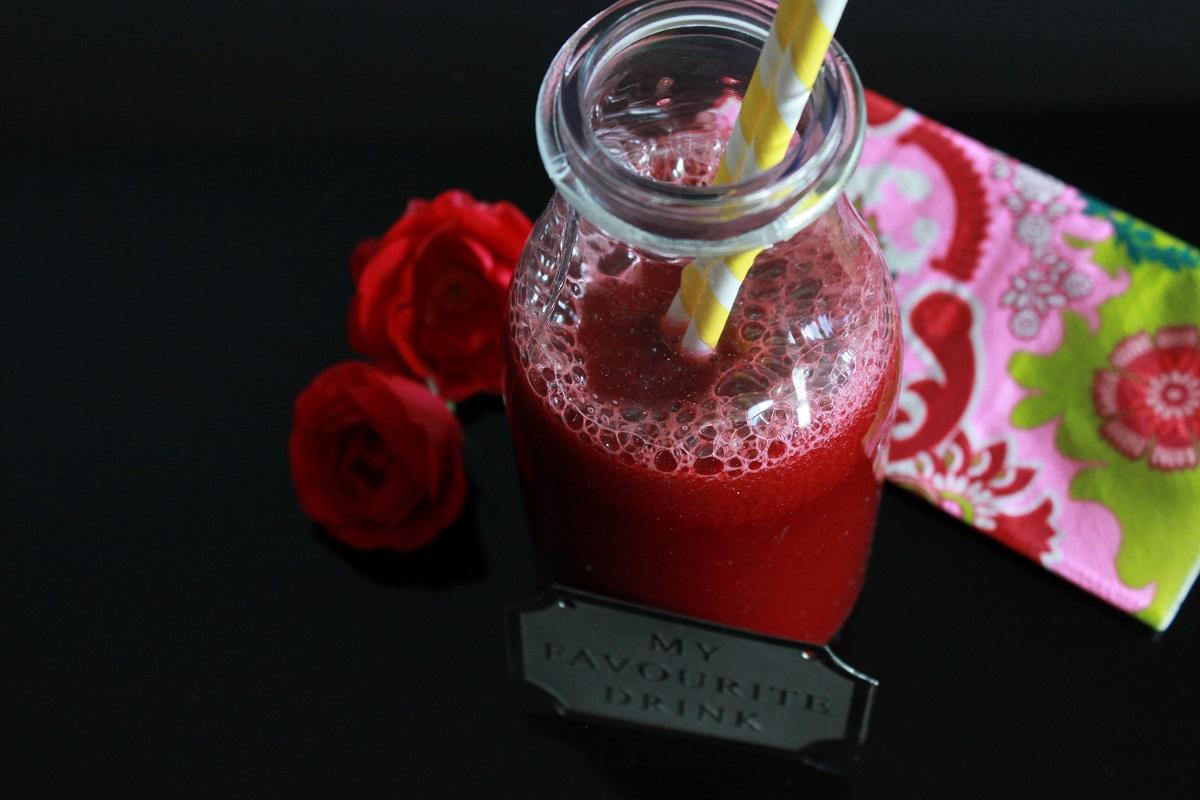 Juice med rodbete, gulrot og fennikel