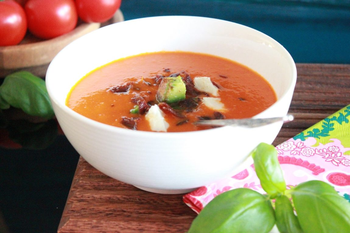 Tomat- og paprikasuppe