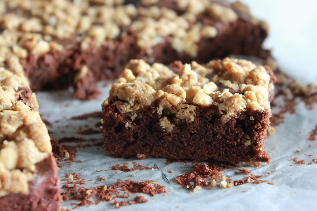 Sjokoladekake med peanøttcrumble