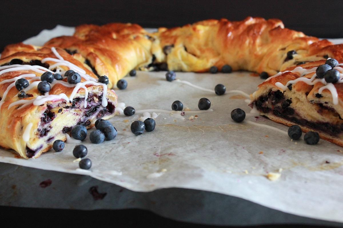 Klippekrans med vaniljekrem og blåbær