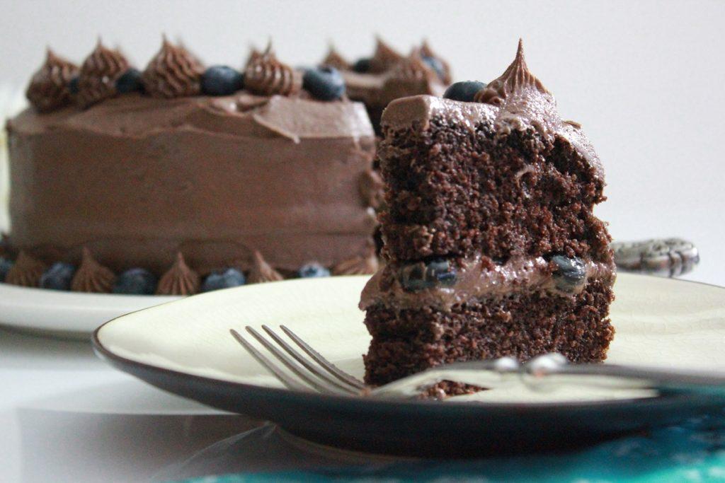 Saftig-sjokoladekake-vinneren-pa-kakebordet-1-2
