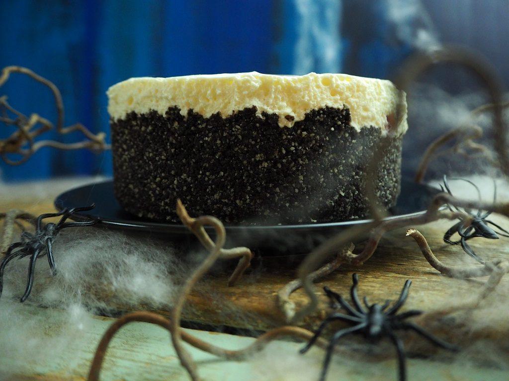 Ostekake med oreobunn - halloween-kake