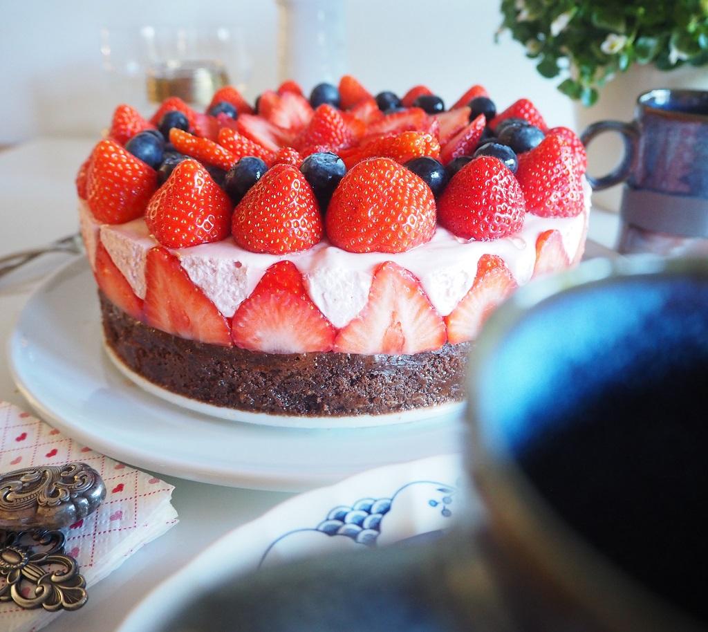 Brownie med jordbærmousse