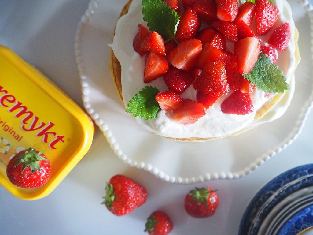 Pannekakekake - pannekaker med rabarbra