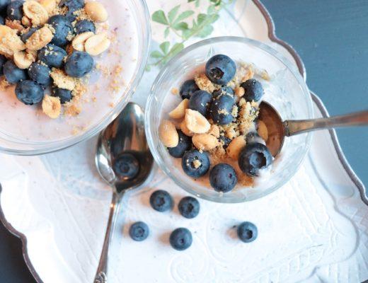 Blåbærostekake - ostekake med blåbær