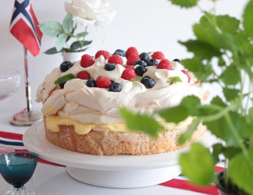 Pavlova og suksessterte i en kake - Toves matglede - Tove Holter - Idefull