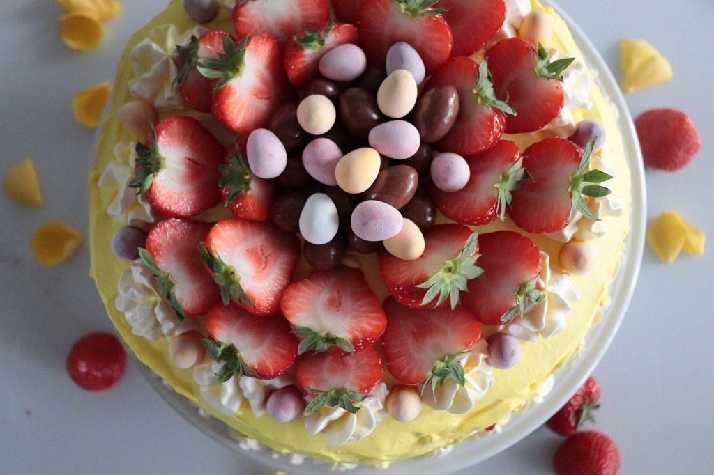 Vaniljekake med ostekrem og jordbær - Toves matglede - Idéfull - Tove Holter - påskekake